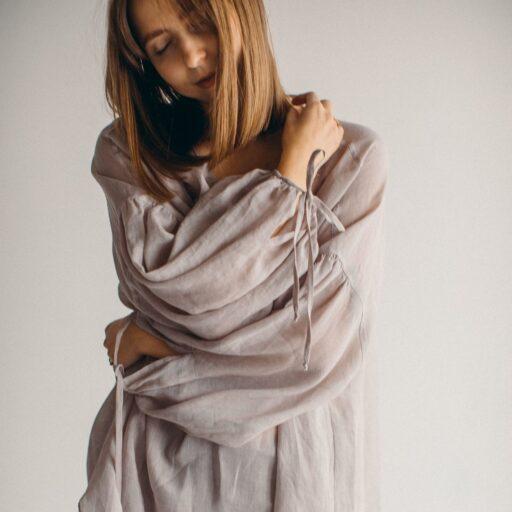 Батистовая рубашка из крапивы цвет Светлый тауп фото