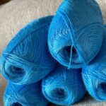 натуральная пряжа голубой цвет