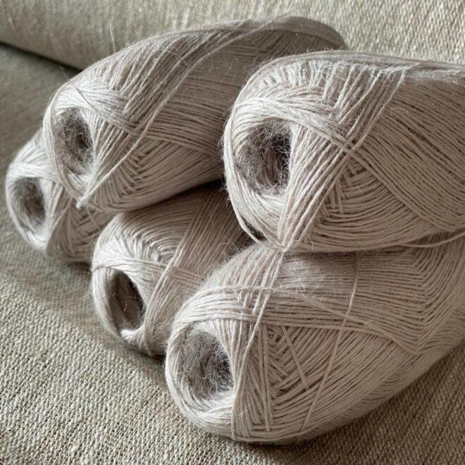 тонкая пряжа для вязания спицами