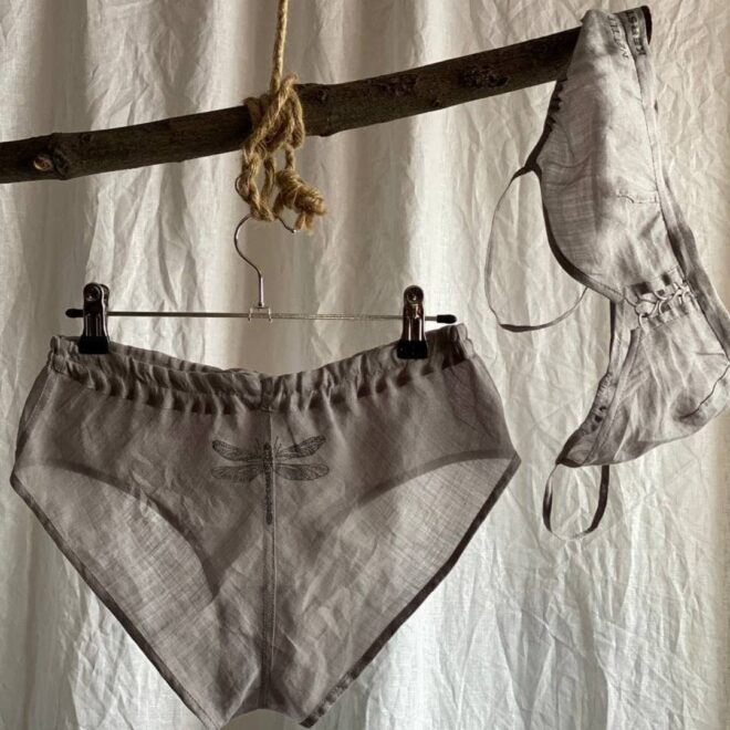 комплекты нижнего белья для девушек