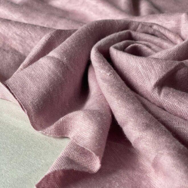 трикотаж розового цвета