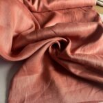 ткань из льна кирпичного цвета