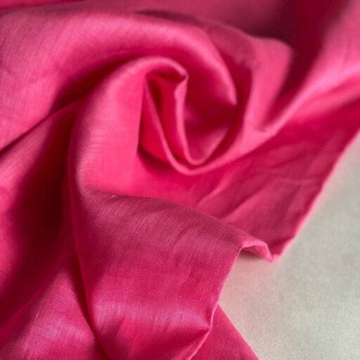 ткань из льна ярко-розового цвета