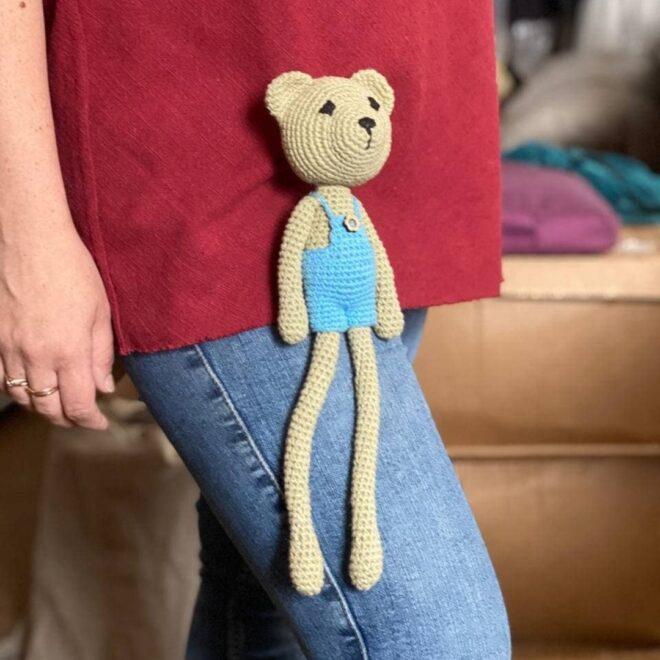 вязаная игрушка для малыша