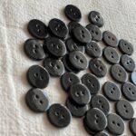 черные пуговицы перламутровые