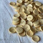 деревянная пуговица для одежды