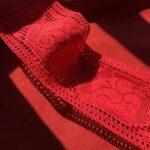 кружево красное