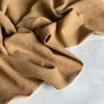крапивная ткань светло-коричневого цвета